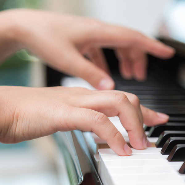 Solide Technik beim Klavierspielen